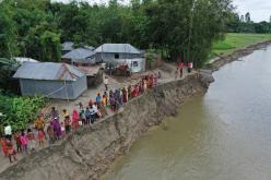 Der Klimawandel führt zu stärkeren Monsunregen als früher. Die Lebensgrundlage entlang der Flüsse südlich des Himalayas wird immer brüchiger.